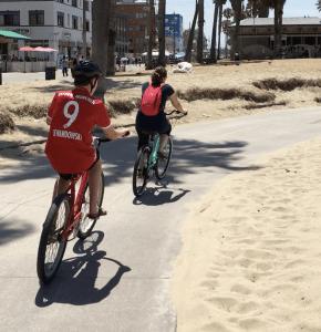 Fietsen van Santa Monica naar Venice Beach