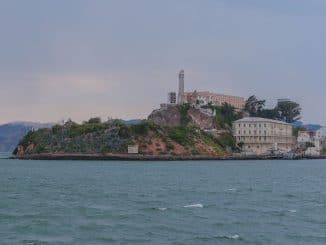 Alcatraz met Golden Gate Bridge