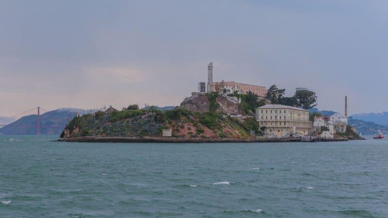 Alcatraz met Golden Gate Bridge